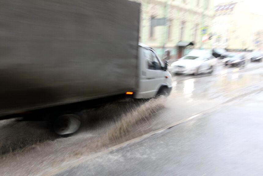 лужи, дождь, слякоть, Фонарный переулок