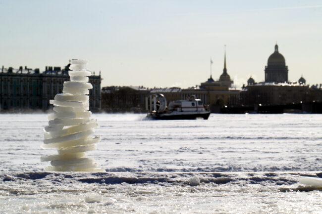 пляж Петропавловской крепости, ледяные фигуры, туры, судно на воздушной подушке, МЧС