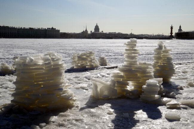 пляж Петропавловской крепости, ледяные фигуры, туры