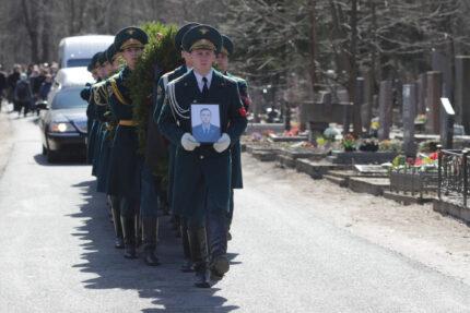 похороны пожарного Ильи Белецкого, Серафимовское кладбище