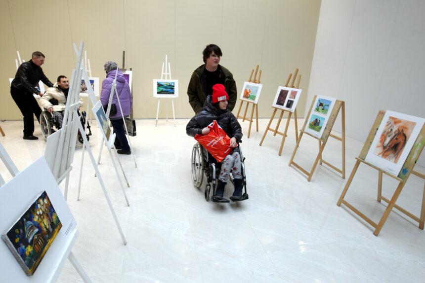 От путешествий до мыловарения: как на Парнасе организуют досуг для людей с инвалидностью