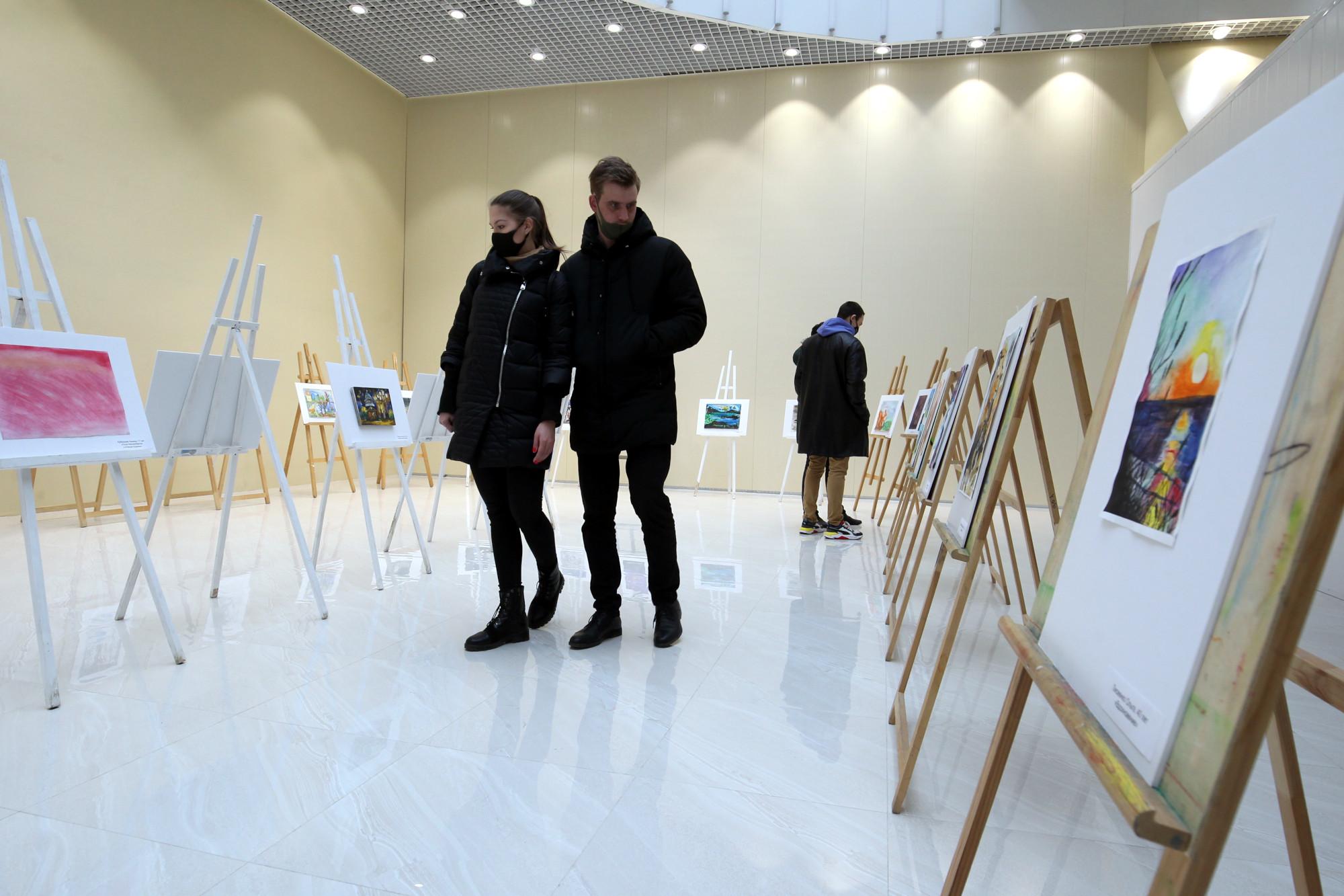 выставка картин, живопись, инвалиды-колясочники, Парголово
