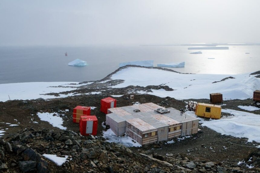 Антарктида, научная станция, полевая база Русская