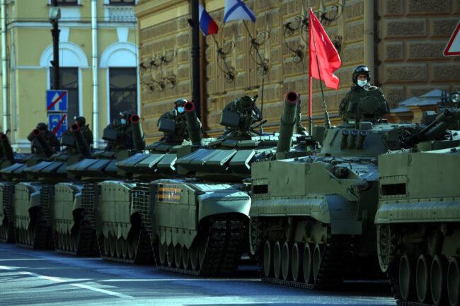 репетиция парада Победы, 9 мая, военные, военнослужащие, солдаты, Дворцовая площадь, бронетехника, танки