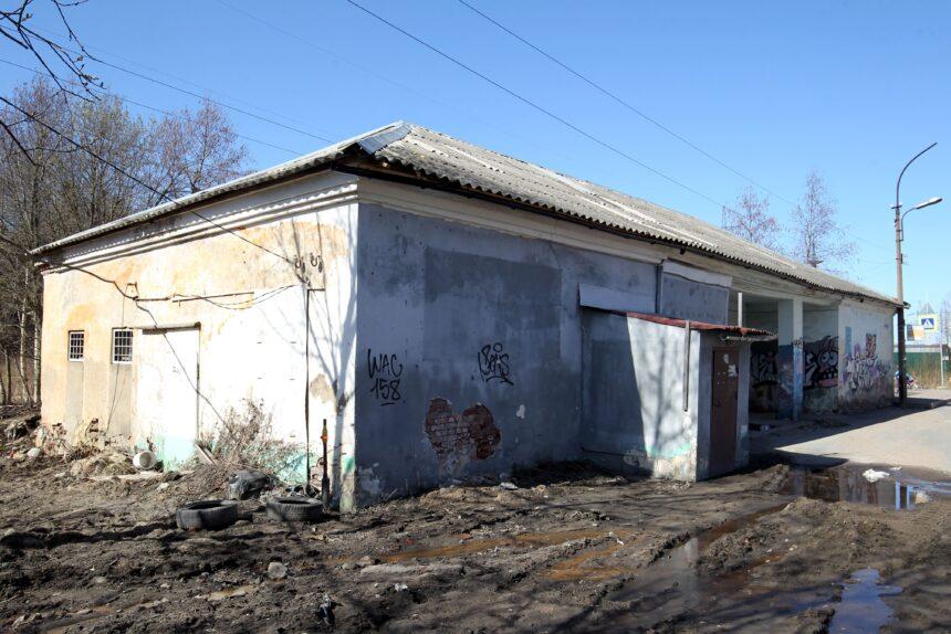 Арт-центр вместо бани: как петербурженка восстанавливает заброшенное здание у Шуваловского парка