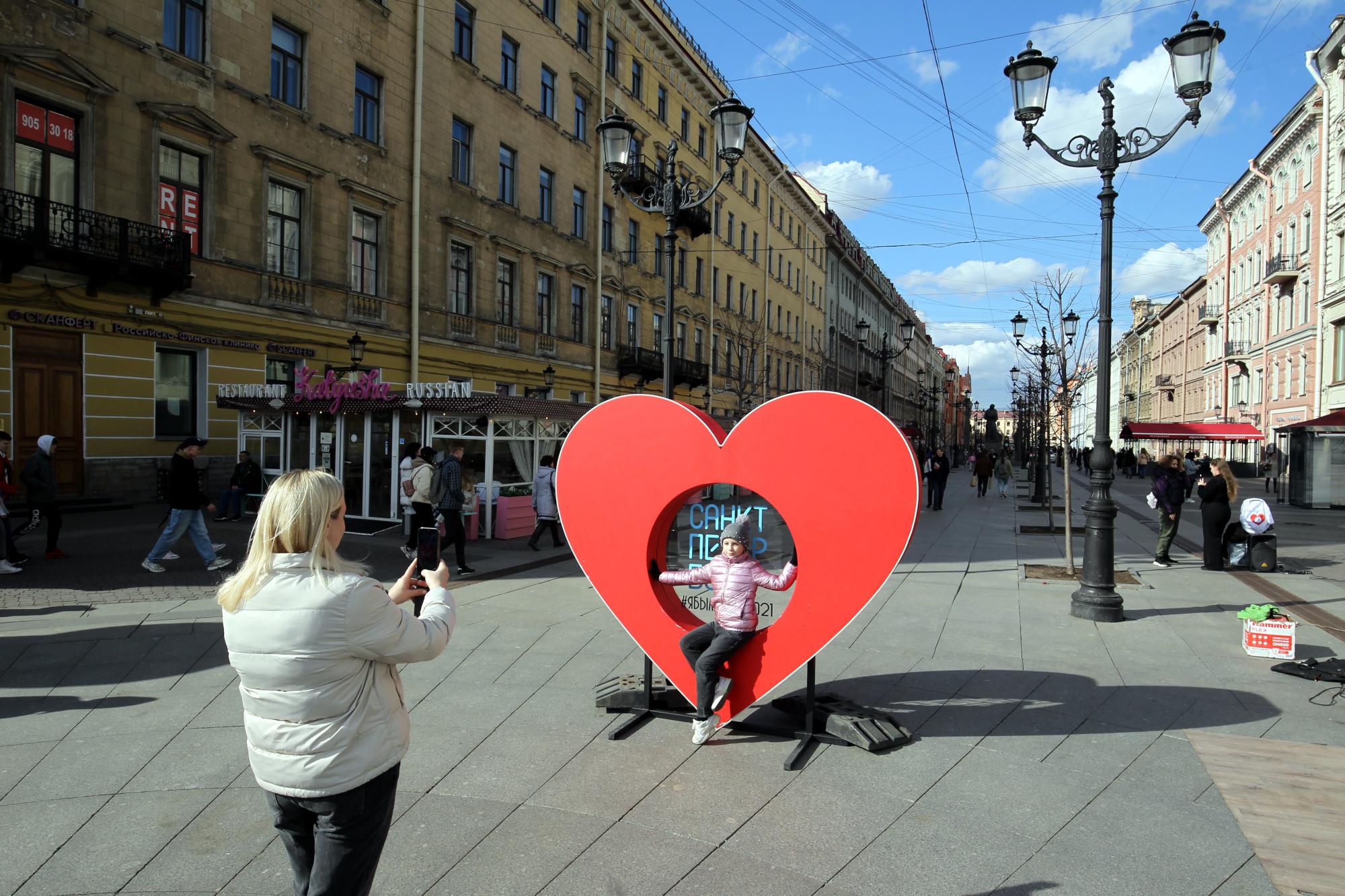 сердце, уличный объект, туризм, Малая Конюшенная улица