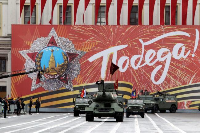 репетиция парада Победы, солдаты, военные, армия, танк Т-34