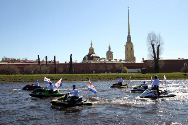 день Победы, Бессмертная флотилия, аквабайки, гидроциклы, водные мотоциклы
