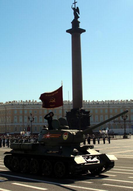 парад победы, день победы, 9 мая, армия, военнослужащие, бронетехника, танк т-34