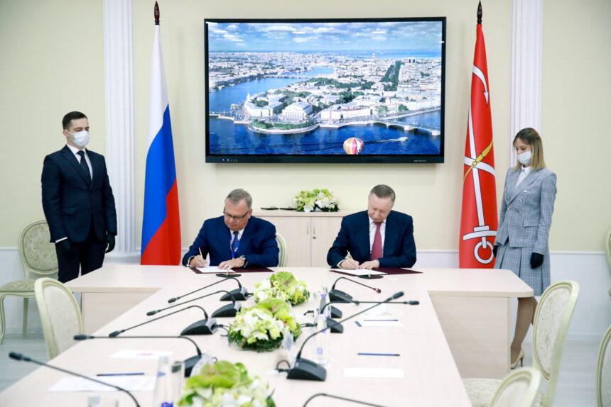 ВТБ, Александр Беглов, Андрей Костин, подписание соглашения о строительстве инфекционной больницы, ПМЭФ