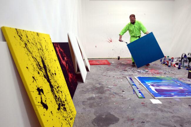 художник Александр Дуал, абстрактная живопись, марафон рисования