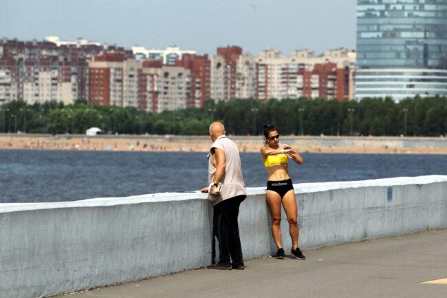 девушка, спортсменка, тренировка, жара, погода, набережная Крестовского острова