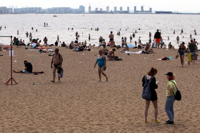 Финский залив, пляж, парк 300-летия Петербурга, купание в море, жара, погода