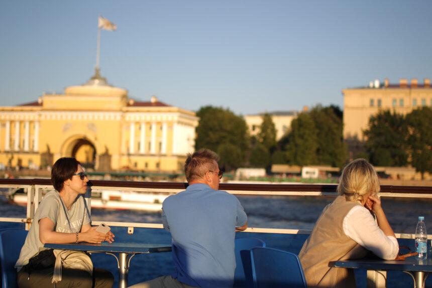 туристы, теплоход, водный транспорт, Адмиралтейство