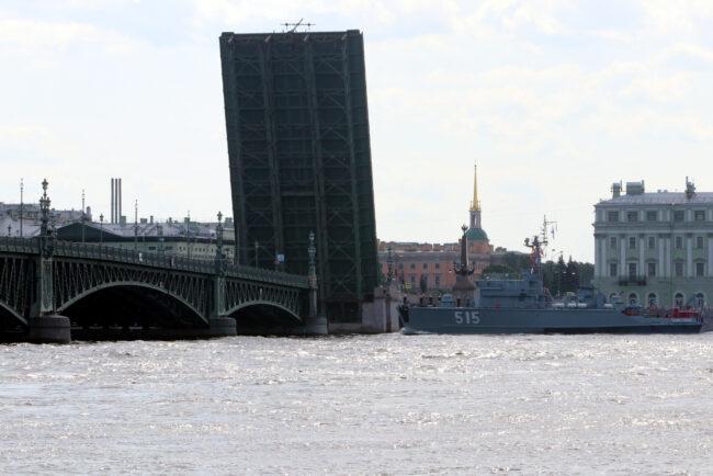день ВМФ, репетиция парада, главный военно-морской парад, корабли, Троицкий мост, разведённый мост
