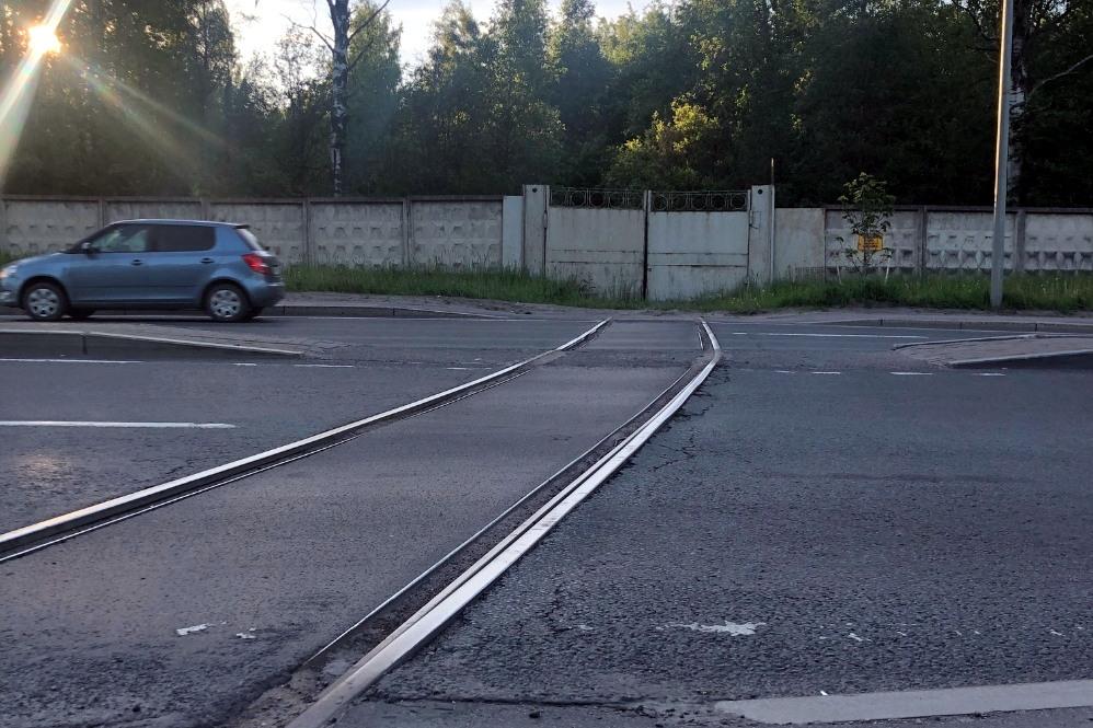 заброшенный железнодорожный переезд, дорога жизни