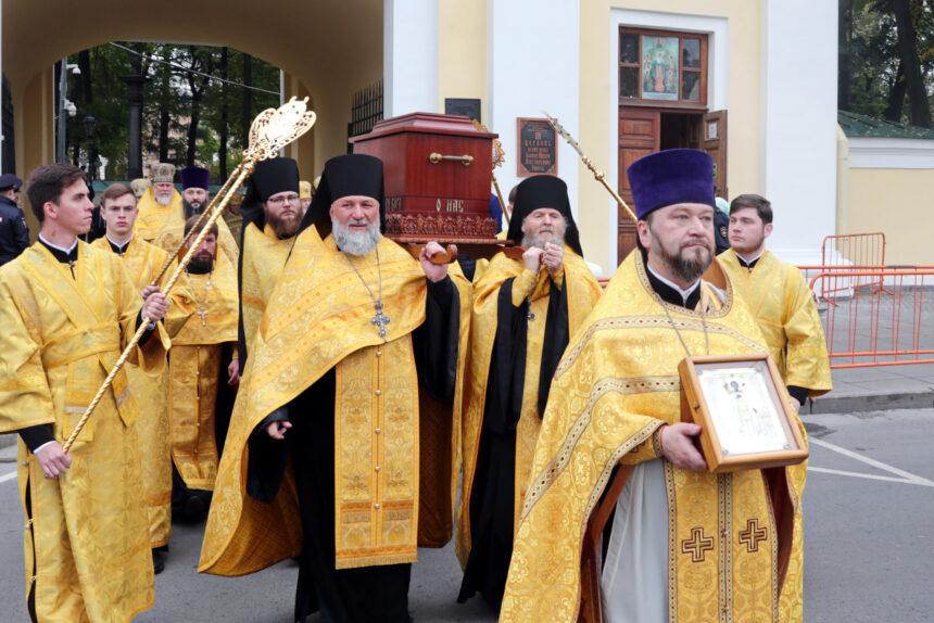 крестный ход, Александро-Невская Лавра, священники, церковь