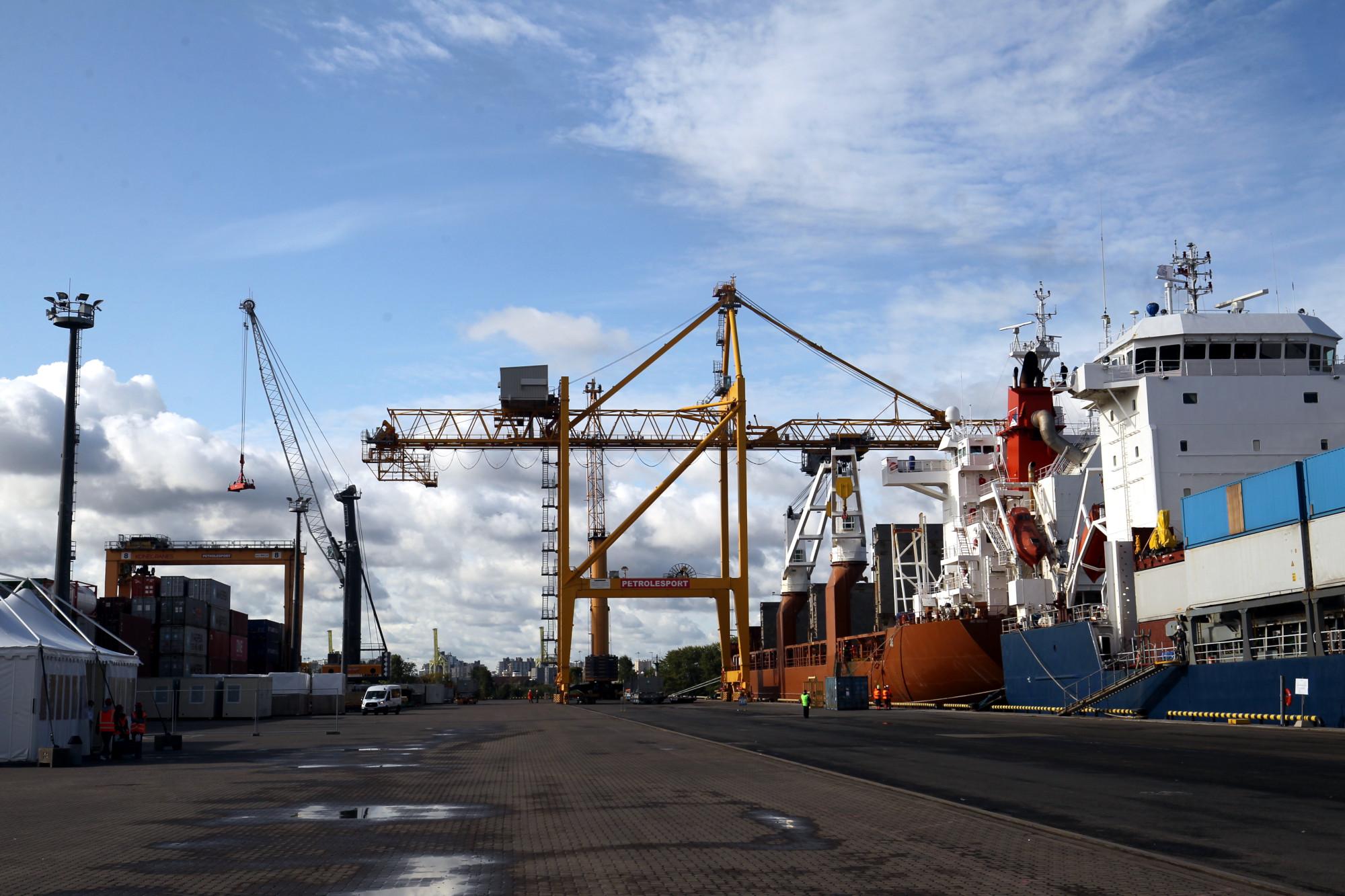 лесной порт, морской порт, грузоперевозки, суда, судоходство