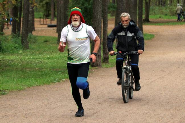 суточный забег в парке Сосновка, эстафета, бег, лёгкая атлетика, Вячеслав Кутыркин