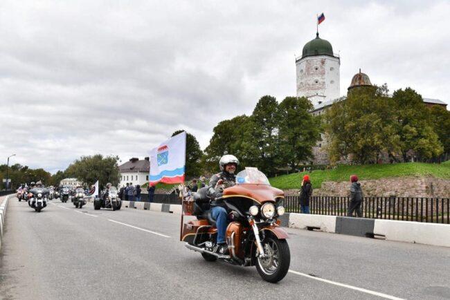 мотофестиваль Baltic Rally, мотоциклисты, мотопробег, байкеры, Выборгский замок