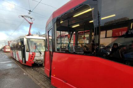 столкновение трамваев, дтп, бухарестская улица
